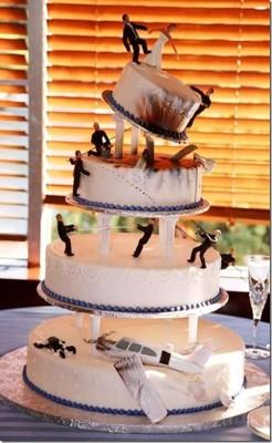 torta 3 246x400 Tortas extrañas y divertidas