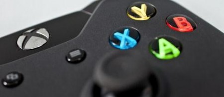 Xbox Vs Playstation 450x195 Xbox One supera en preventas a PS4 en Estados Unidos